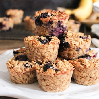 Oatmeal Bites with Banana and Blueberry