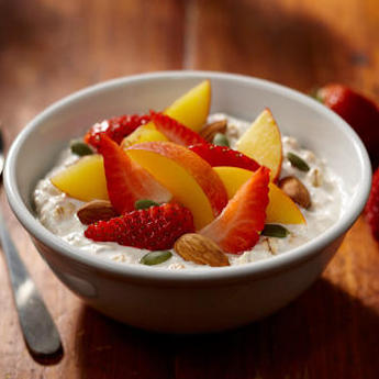Peach, Strawberry and Almond Muesli