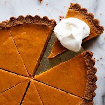 Elsie's Homemade Easy Eggnog Pumpkin Pie